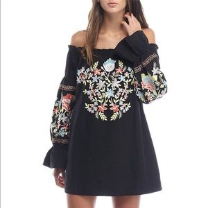 FREE PEOPLE EMBROIDERED DRESS🌷🌷🌷